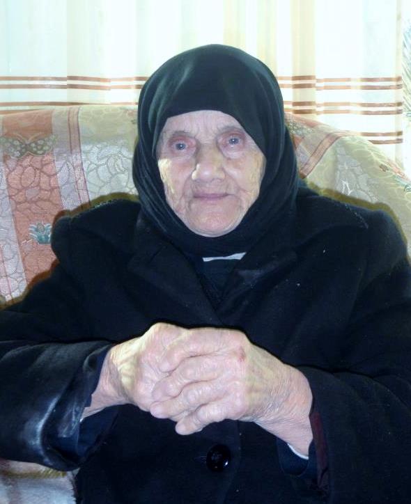 Nënë Sava ditën e 100 vjetorit