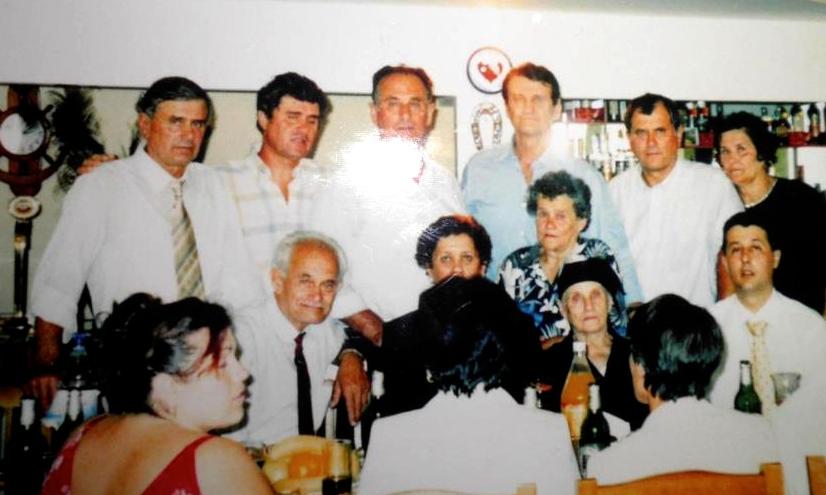 Nene Sava midis djemve vajzave dhe nipave