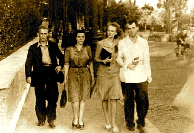 Lazer Radi, e motra Gjuljana, Gjon Kola, dhe nji shoqja e tij Claudia - Rome 1941