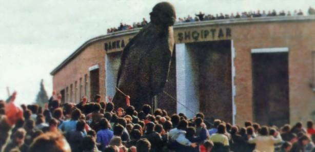 Renia e bustit-Enver Hoxha