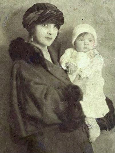 Sara Blloshmi dhe e bija Vera
