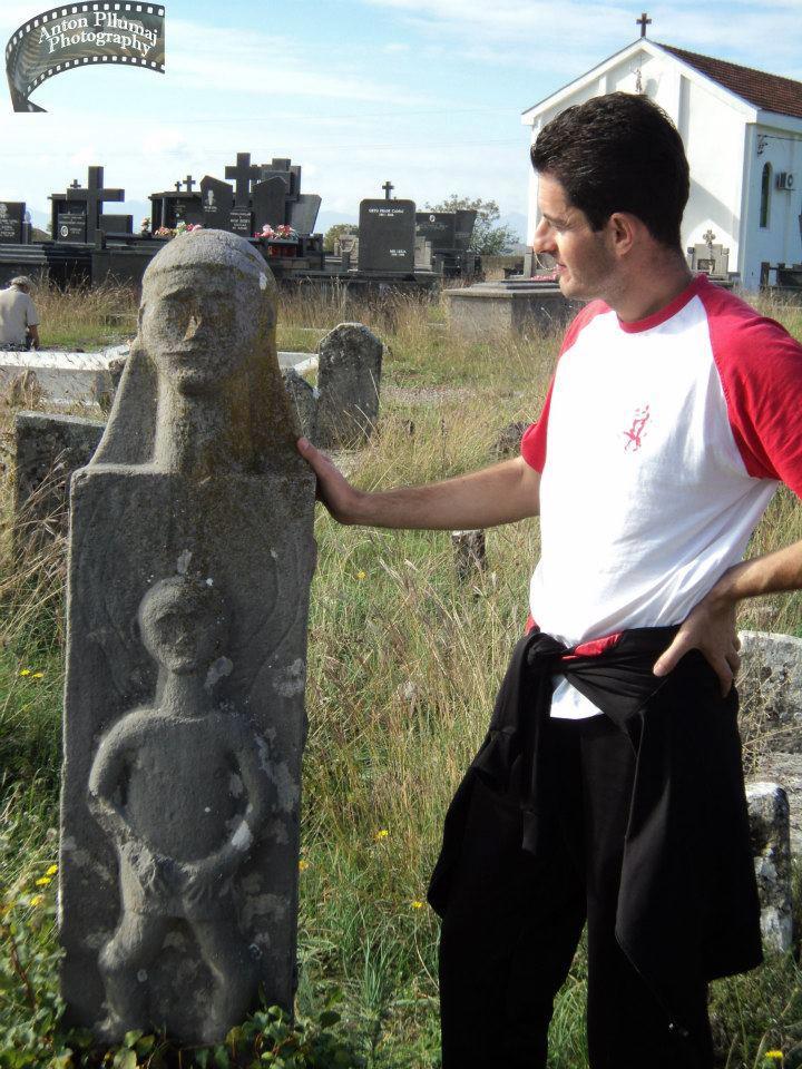 Varrezë në Vuksanlekaj (M.Madhe)