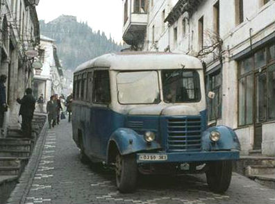 Autobuzi i 100 hektarshit - Hamdiu