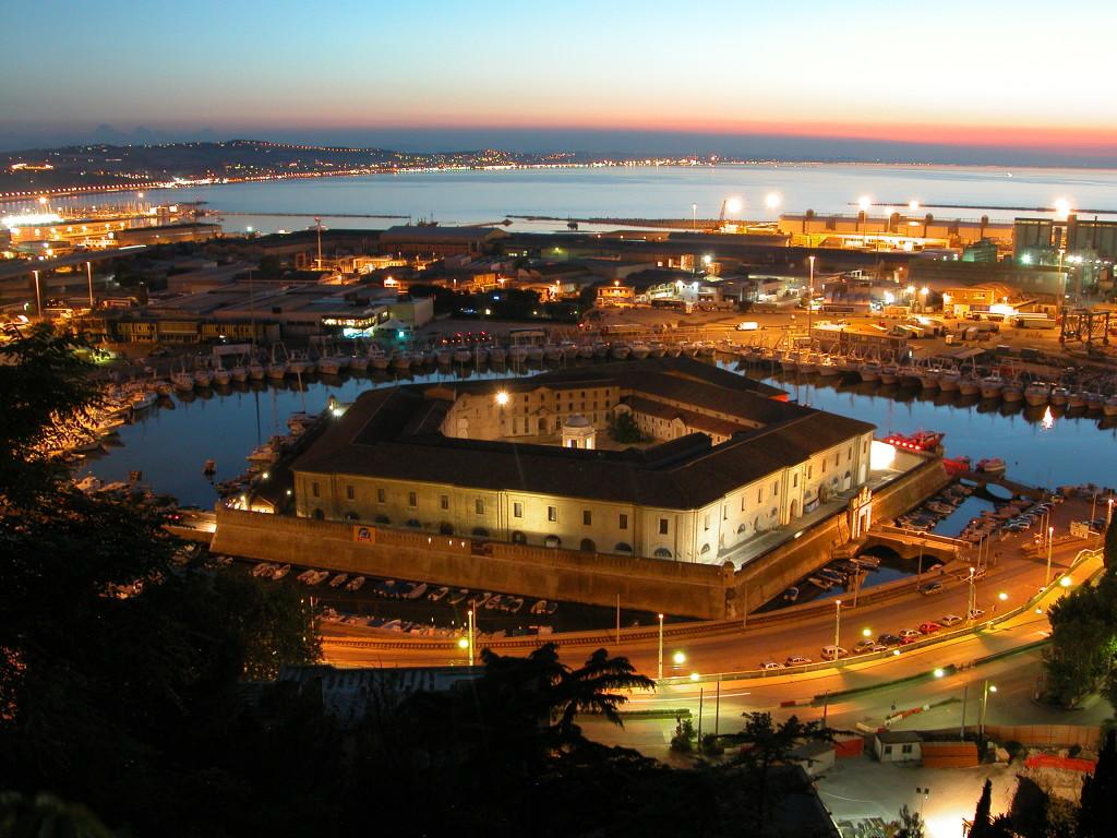 Ancona - Molle Vanvitelliana naten