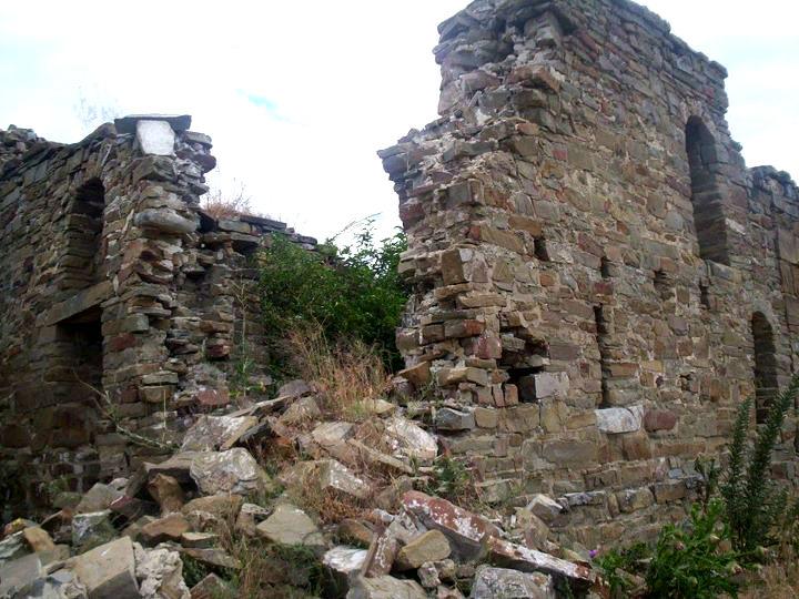 Kisha e Shën Pjetrit - Klinë (bombarduar '99)