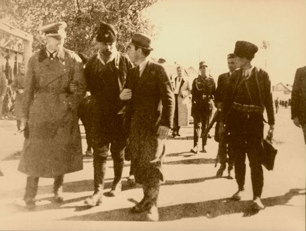 Podujevë 1941 - në plan të parë Xhaferr Deva