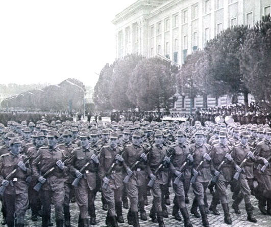 Ushtria… në parade