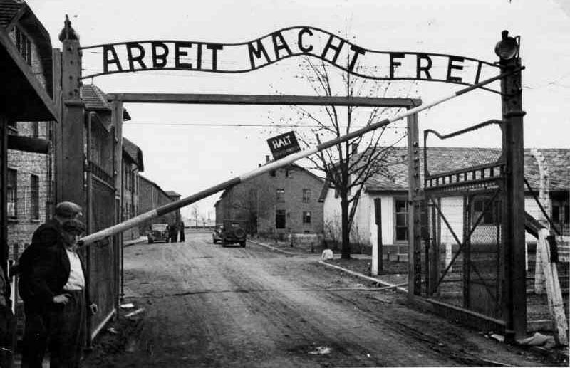 Aushvic... 1942