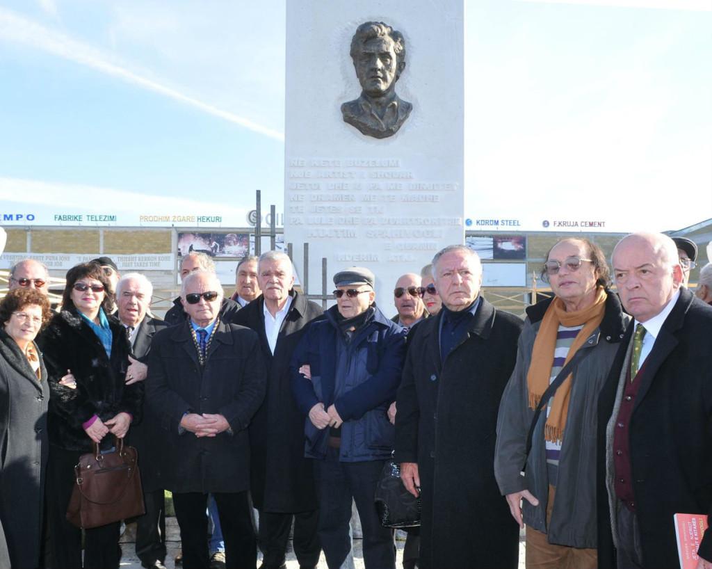 Te Memoriali i Kujtim Spahivoglit...