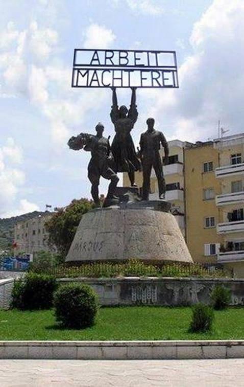 Shtesë... Monumentit të reformës...