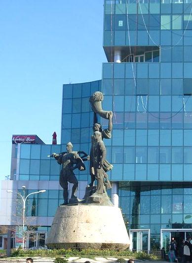 Reforma Agrare... si Monumenti