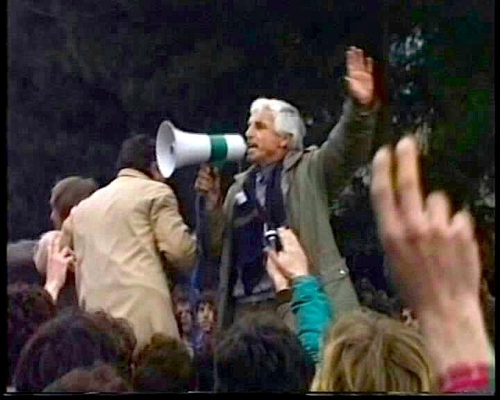"""""""Kokbardhi i Megafonit"""" me 21 shkurt 1991"""