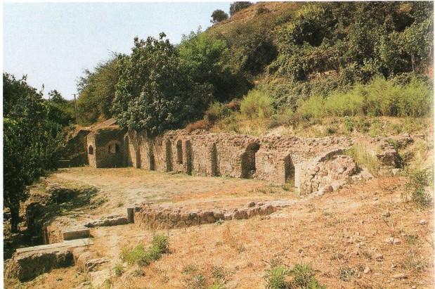 Stacion manson në rrugën Egnatia, pesë milje në dalje të Elbasanit