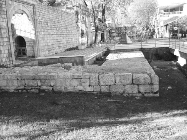 Fragment i rrenojave të lashta në Tiranë