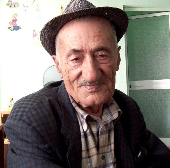Nikoll Gjinali (1920-2012)
