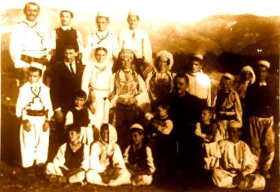 Fishta midis fshatarve te Troshanit
