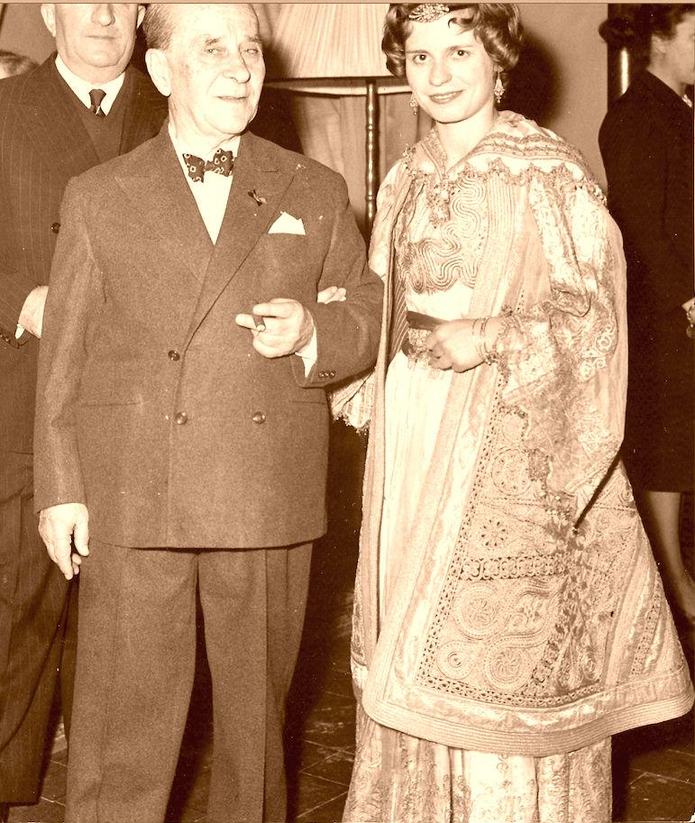 Hana Kelcyra dhe Eqerem Bej Vlora