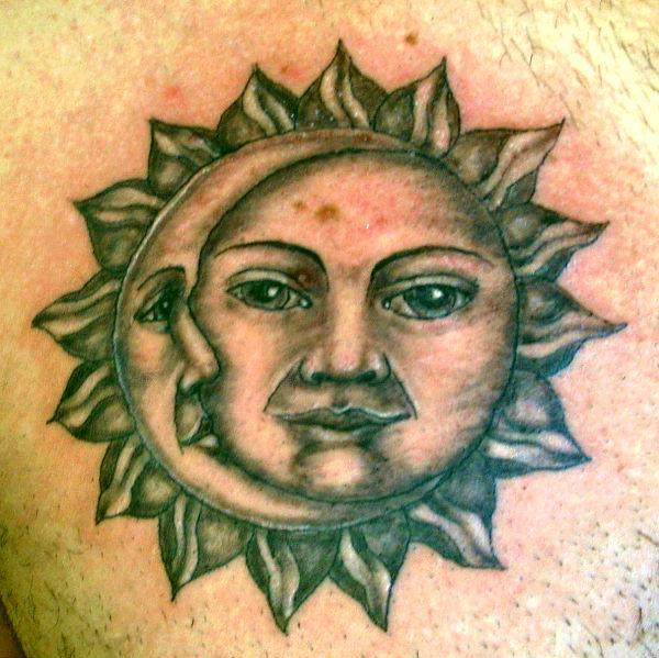 Dielli dhe hëna...