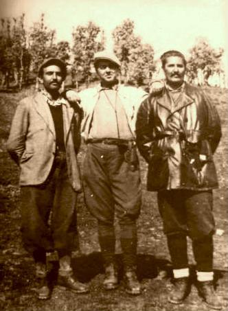 Hoxha midis Mugoshës dhe Popoviçit