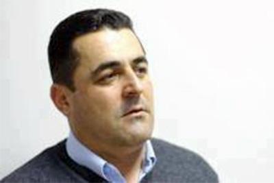 Gazetari Nebil Çika
