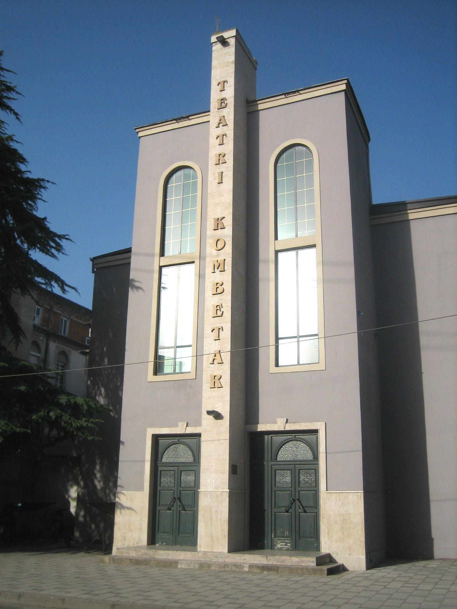 Teatri Kombëtar - Tiranë