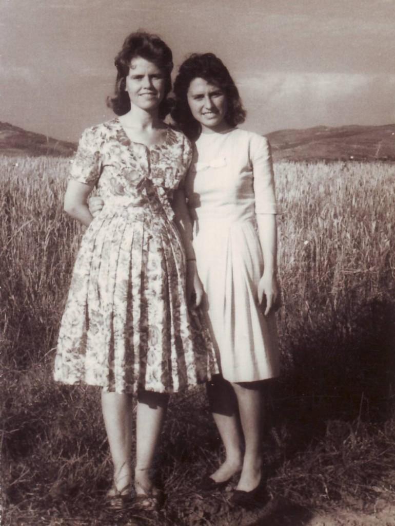 Neriman Hoxha dhe Valbona Çoku - Savër 1961