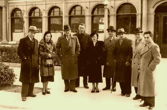Ernest Koliqi dhe Asdreni midis miqve nga Korça