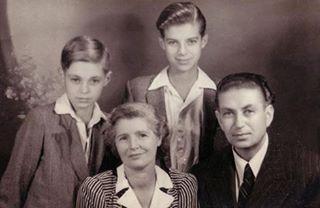 Me bashkshorten dhe dy djemte - 1955.