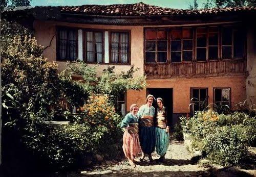 Prizreni - Shtepi dhe veshje qyteti