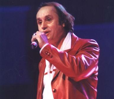 Këngtari Françesk Radi
