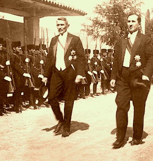 Kryeministri Pandeli Evangjeli e Ministri i Brendshëm Koço Kotta 1928