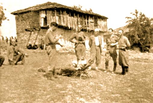Majoret Abaz Kupi e Murat Basha ne mal