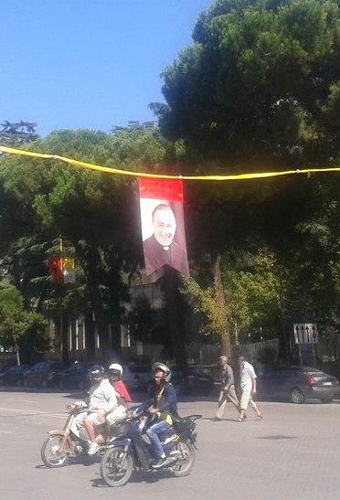 Dom Lazër Shantoja... në pritje të Papës