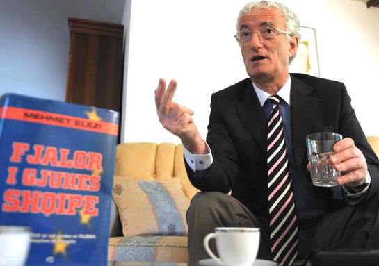 Mehmet Elezi dhe Fjalori i tij i Gjuhes