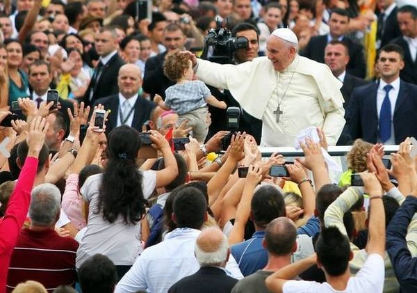 Papa Françesku i II - Tirane 2014