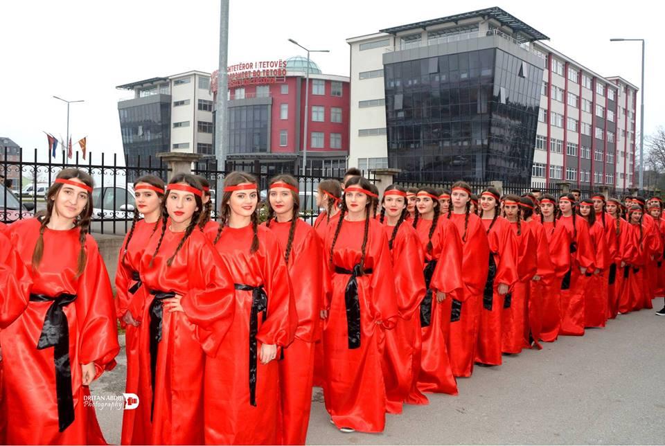 Vajzat shqiptare me 28 Nentor