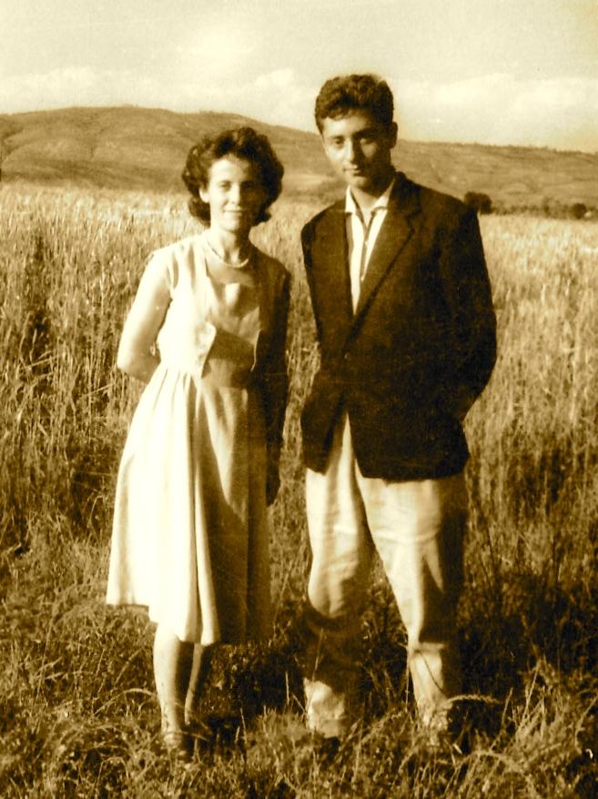 Profesoresha e Solfexhit Suzan Hoxha e Dine Dine (Saver 1963)