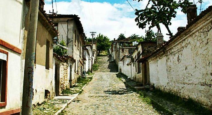 Qeroska - Rrugë në Korçë