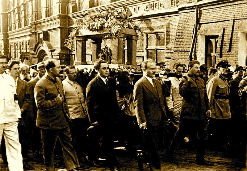 Funerali i Gorkit - Qershor 1936 Kaganoviç, Zhdanov, Gjergj Dimitrov, Molotov, Stalin dhe Jagoda