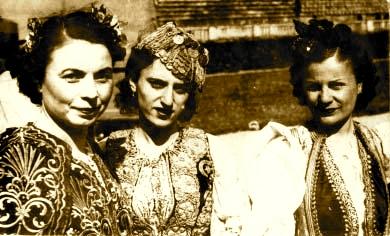 Jorgjia Filce-Truja, Lola Gjoka, Tefta Tashko ne vitet '30.