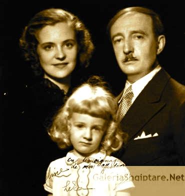 Mbreti Zog, Mbretëresha Geraldinë dhe Princi Leka në mërgim...