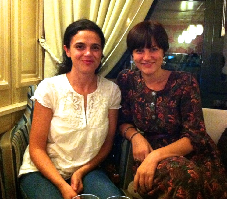 Dy poete Shkodret... Elona dhe Entela