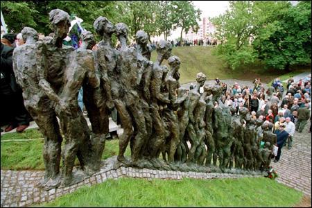 Holokaust... 2015