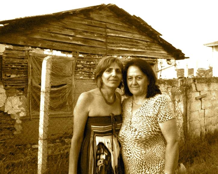 Bedra dhe Magda në ish kampin e vuajtjeve në Savër