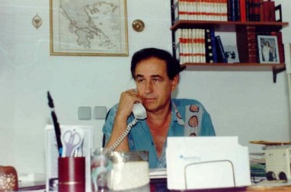 Aristidh Kola në studion e tij
