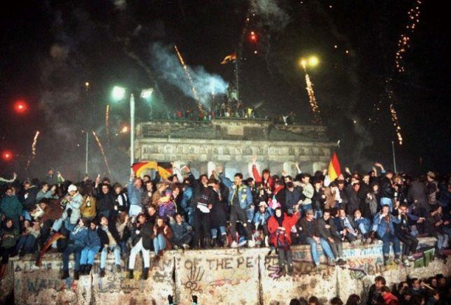 Rrëzimi i Murit të Berlinit
