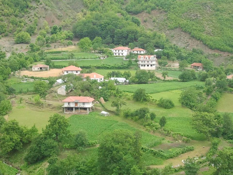 Fshati i Lindjes - Gurshpata