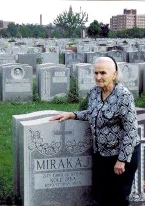 Xhina Mirakaj - e shoqja e Kol Bib Mirakajt - 45 vite e interrnuar