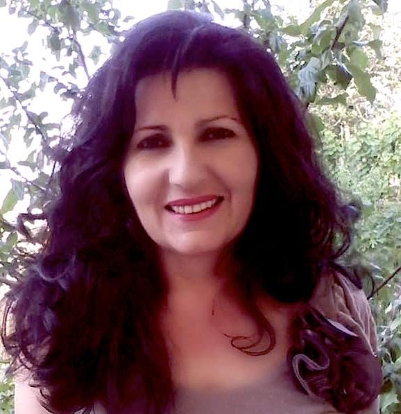 Autorja e rrefimeve Lola Shehi - Cela