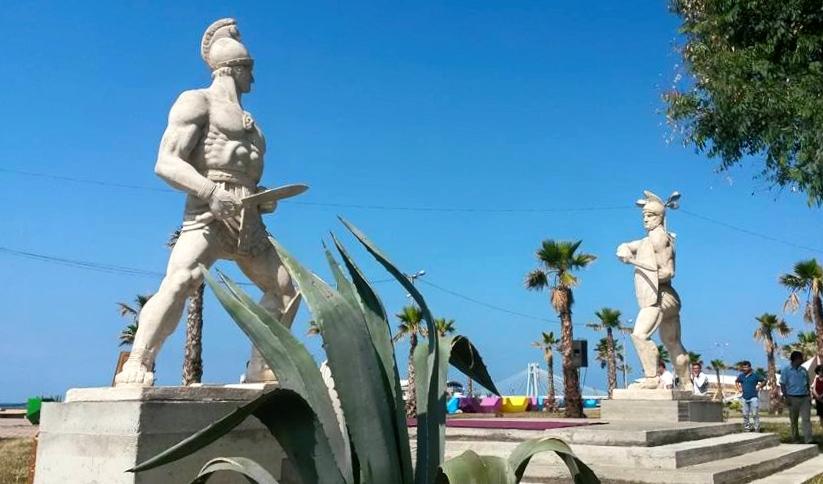 Dy Gladiatorët Ilirë (Janaq Paço)